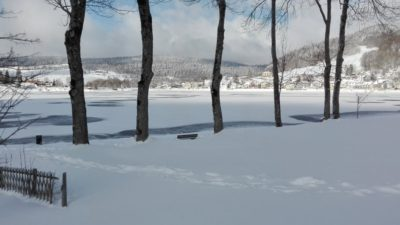 Randonnées raquette Jura Bord du lac de Joux